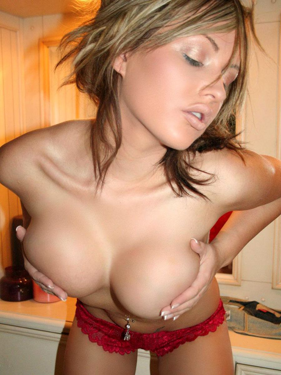 Skinny huge natural tits galleries